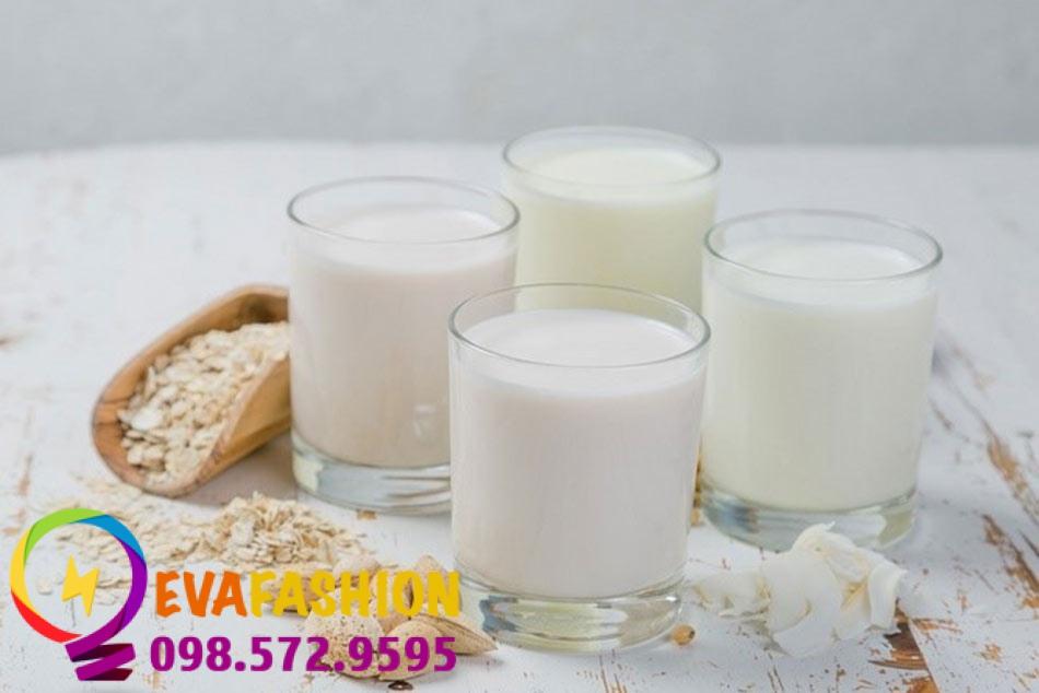 Hình ảnh rửa mặt bằng nước vo và sữa tươi