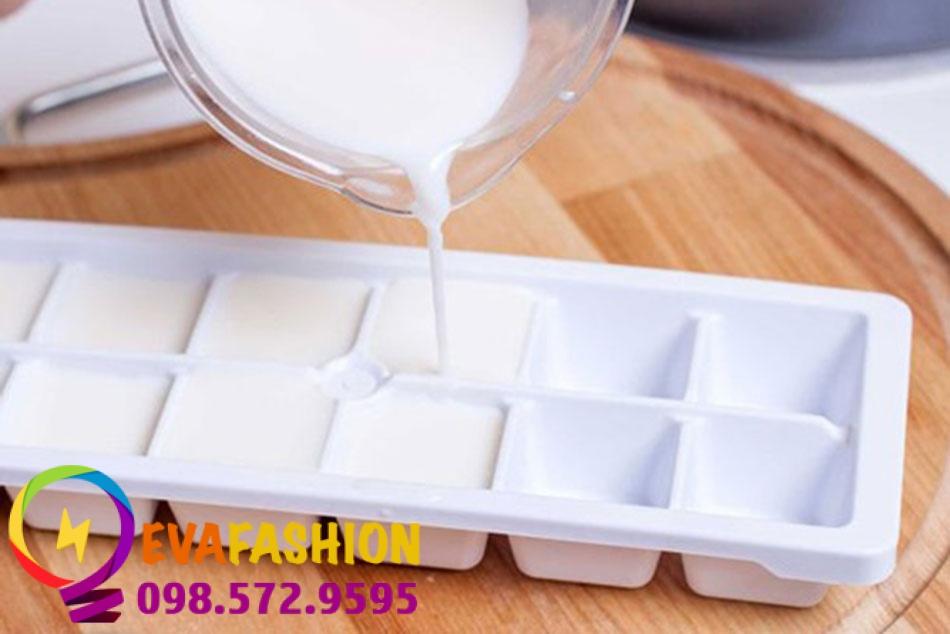 Sử dụng sữa đông đá để dưỡng da vô cùng hiệu quả và thuận lợi