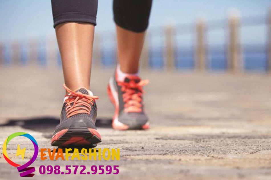 Giảm mỡ bắp chân bằng cách đi bộ