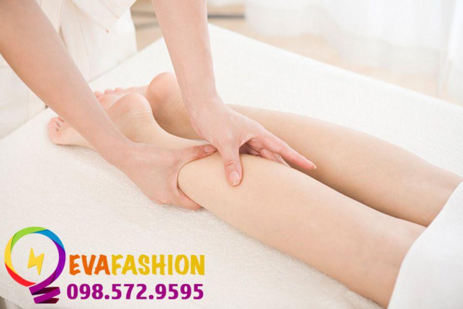 Làm nhỏ bắp chân bằng massage