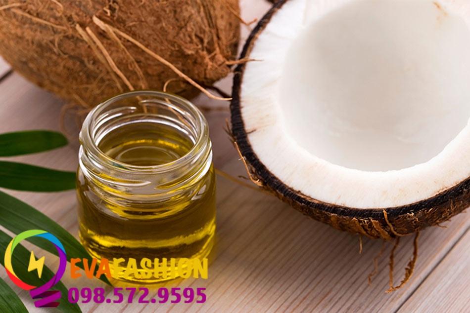 Dầu dừa là phương pháp dân gian được truyền tai nhau nên đến nay dùng để trị sẹo rỗ