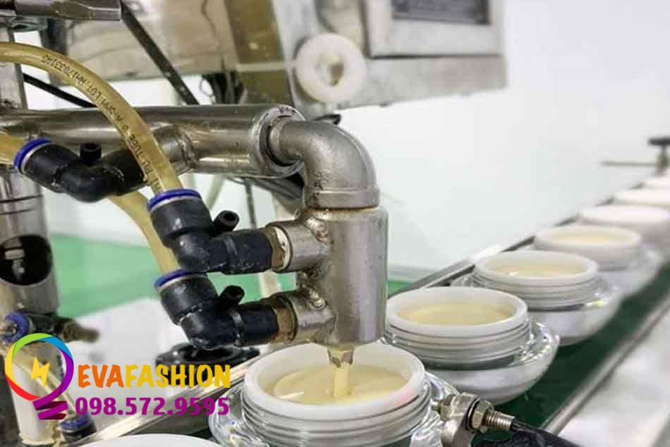 Hình ảnh công nghệ sản xuất của Kem Face Pháp
