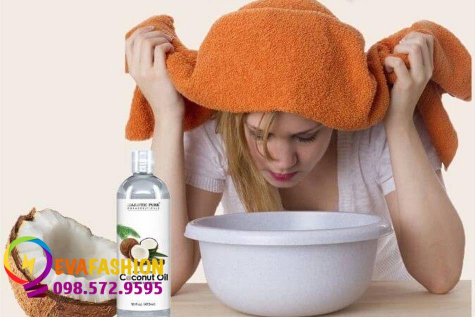 Sử dụng dầu dừa để xông mặt