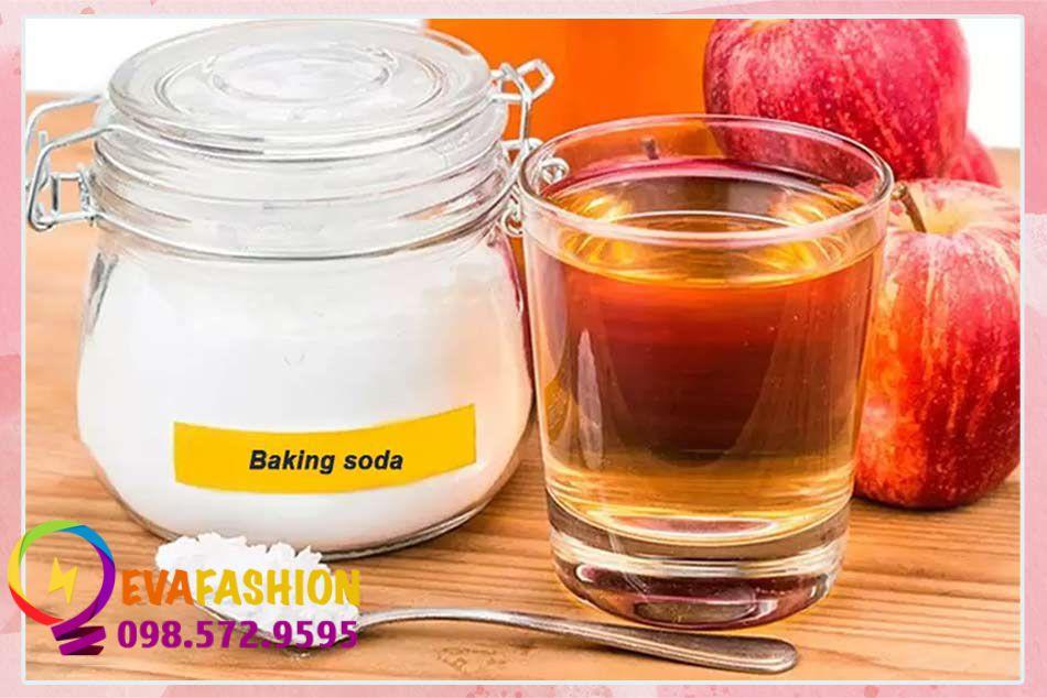 Baking soda kết hợp với giấm táo để trị thâm nách