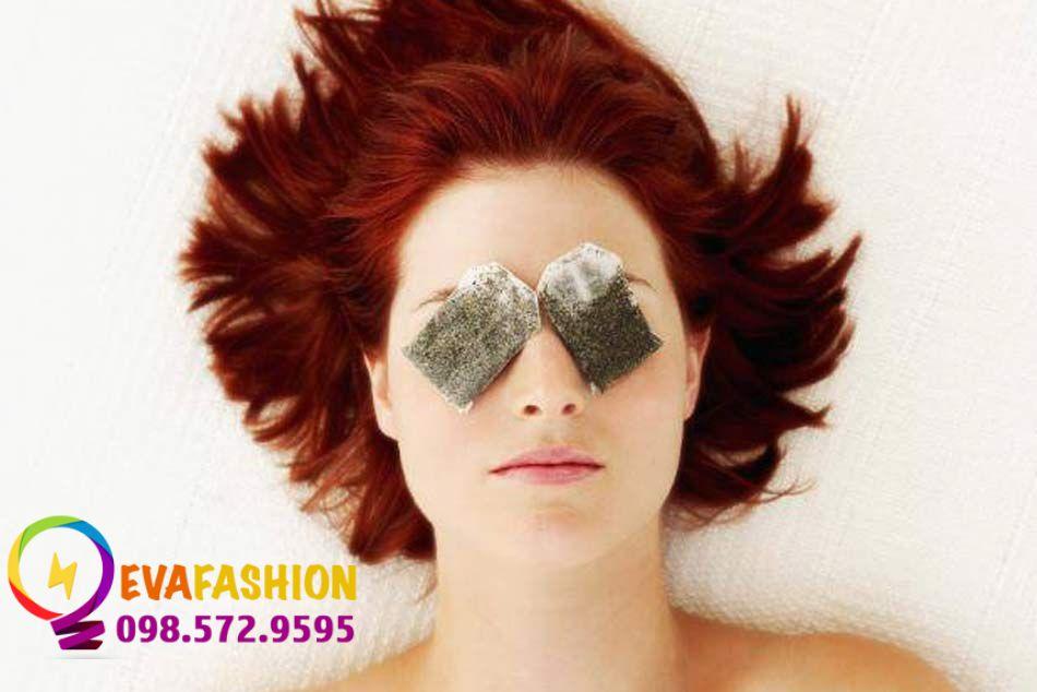 Sử dụng túi trà để chữa thâm quầng mắt triệt để