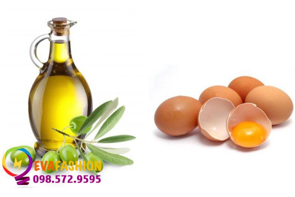 Sử dụng mặt nạ trứng gà và dầu oliu để trị mụn cám